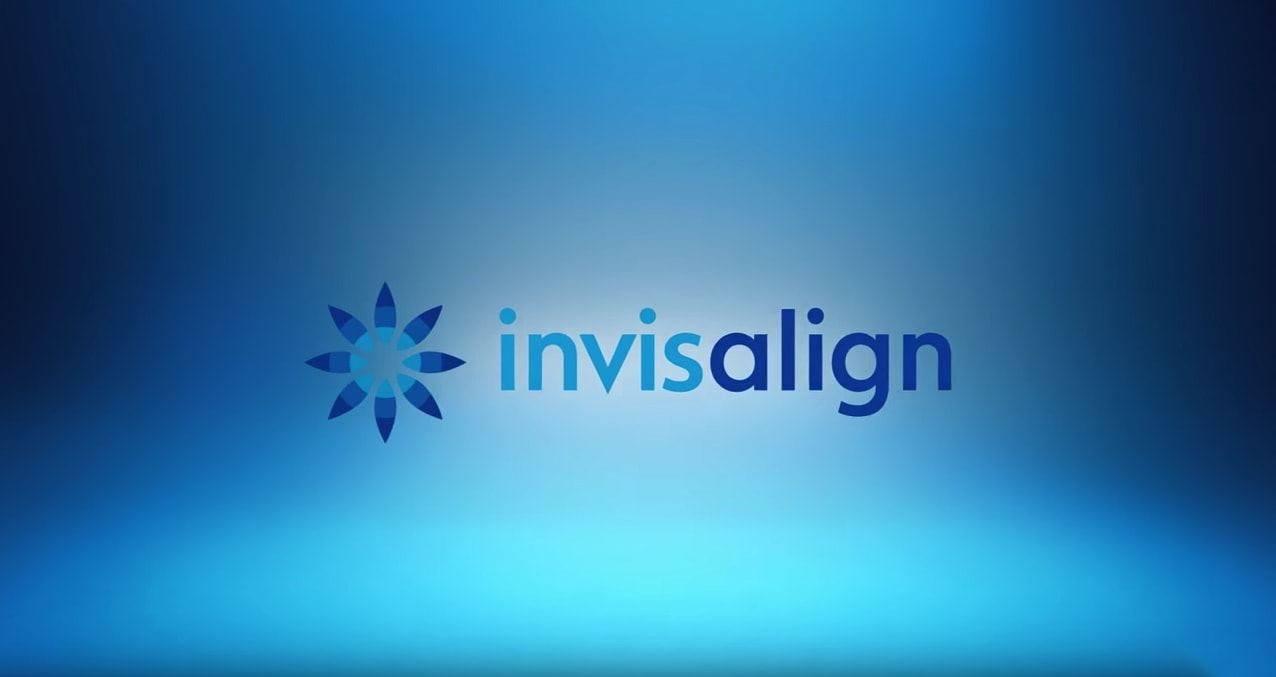Invisalign Issaquah, WA - Banner image with Invisalign's logo